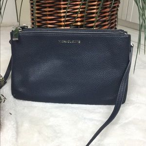 MICHAEL KORS DOUBLE ZIPPER NAVY LEATHER CROSSBODY
